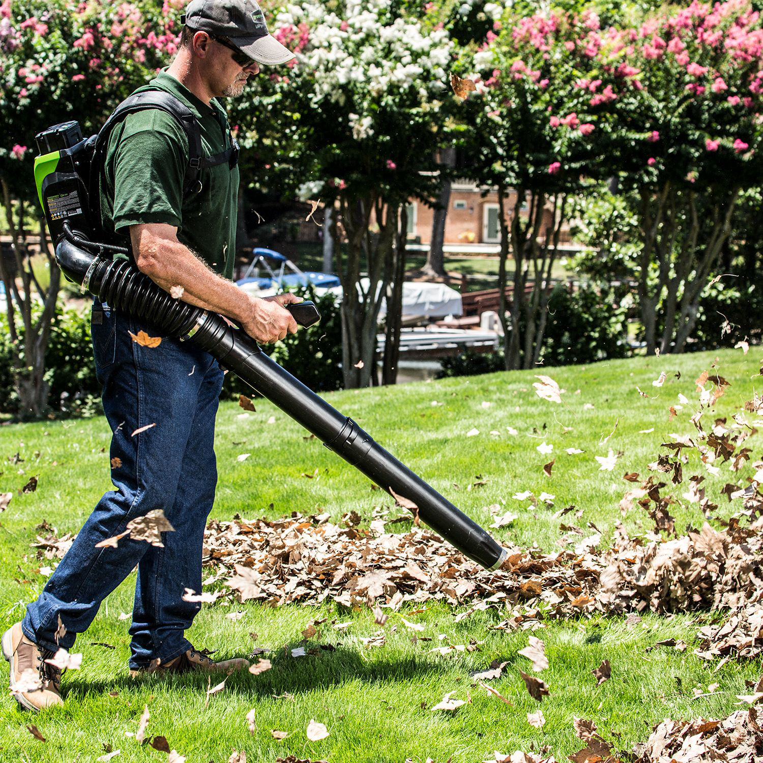 5 Tips To Keep In Mind When Using Backpack Leaf Blowers In Your Garden