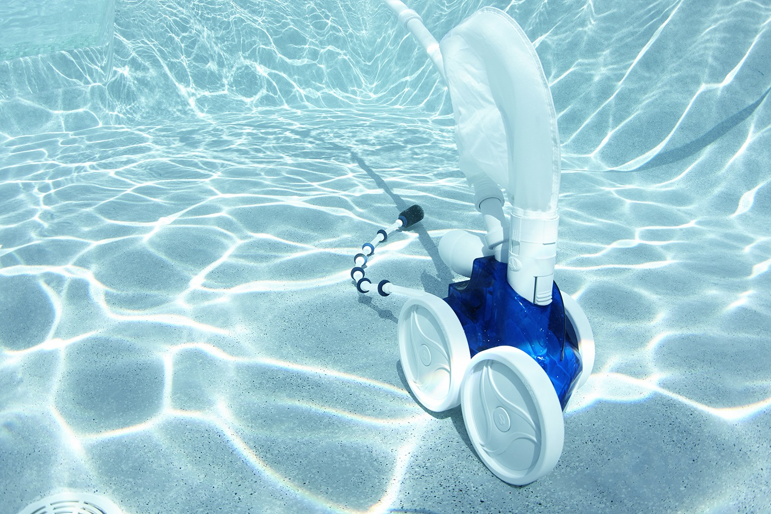 Everything You Need to Know About Pool Cleaners