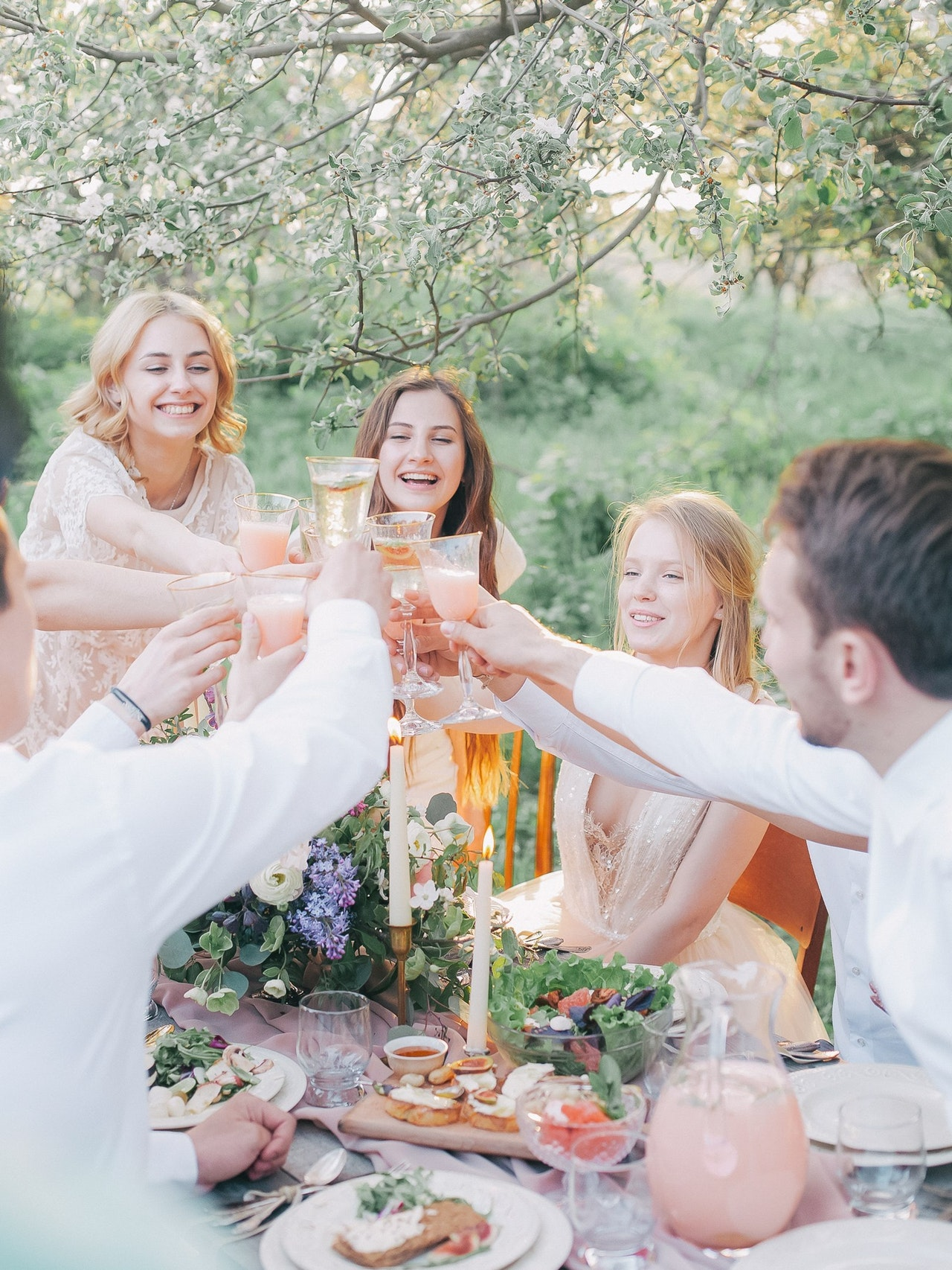 Cultivate the Ideal Guest List and Throw the Perfect Garden Party
