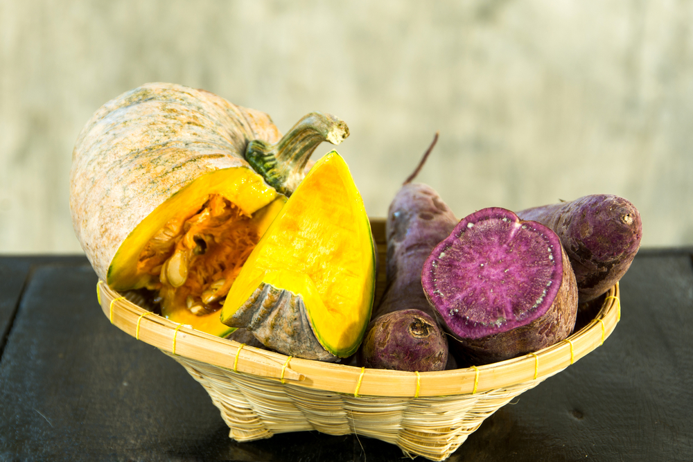 Storing the sweet potatoes with other vegetables must be avoided as it can affect the natural ripening process.